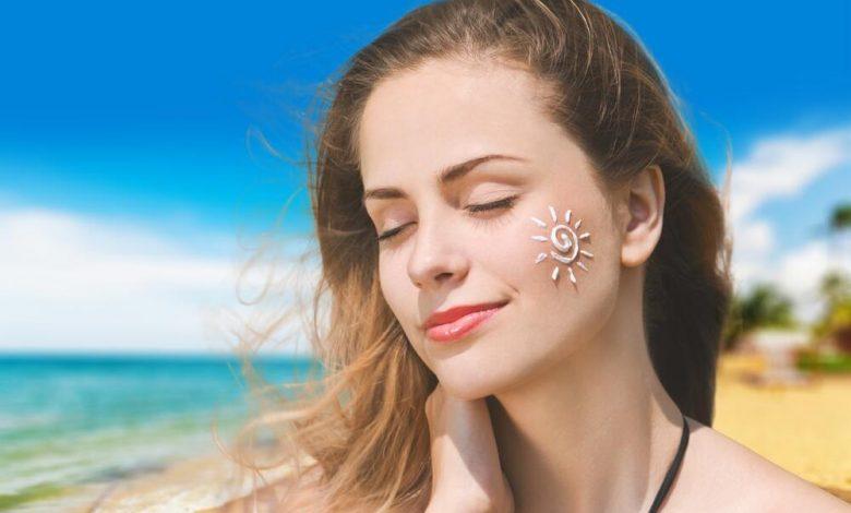 كيف تحمي بشرتك من أضرار أشعة الشمس