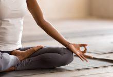 صورة فوائد اليوجا للمرأة في فترة الطمث