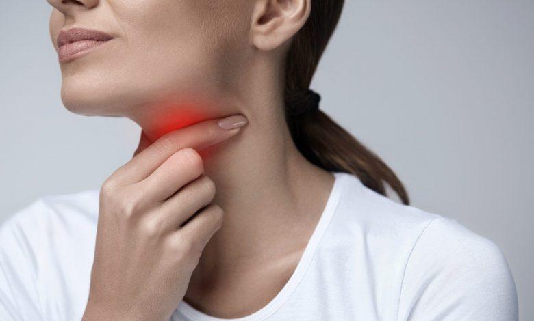 صورة التهاب الحلق الفيروسي للمرأة الحامل